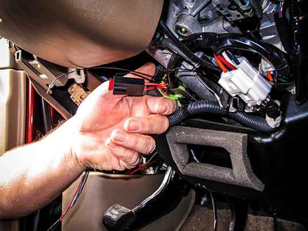 مزیت استفاده از ردیاب خودرو