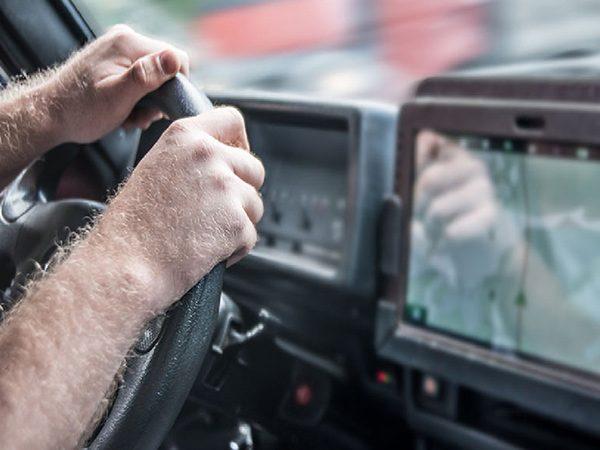 بهترین ردیاب خودرو، ردیاب بدون نصب یا ردیاب مغناطیسی؟