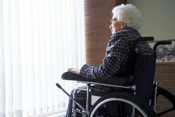 دستگاه شنود برای نگهداری از سالمندان در منزل